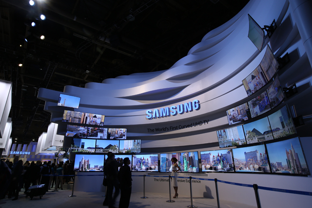 CES2014_UHD Arc Transformation&Cube Tower (2).JPG